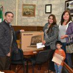 Entrega Estrada Medina Equipo de Cómputo a Escuela Primaria