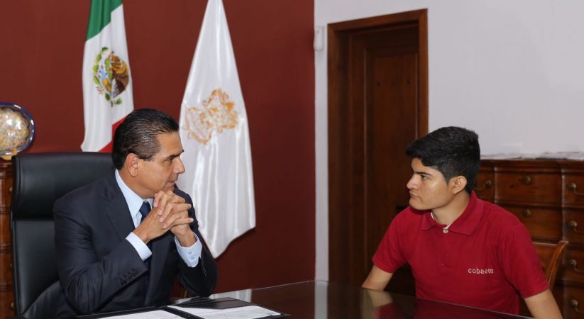 Michoacán tiene talento y futuro en sus jóvenes: Silvano Aureoles