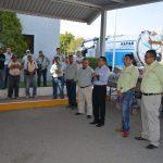 ENTREGÓ ALCALDE ESTRADA MEDINA UNIFORMES A TRABAJADORES DE SAPAS