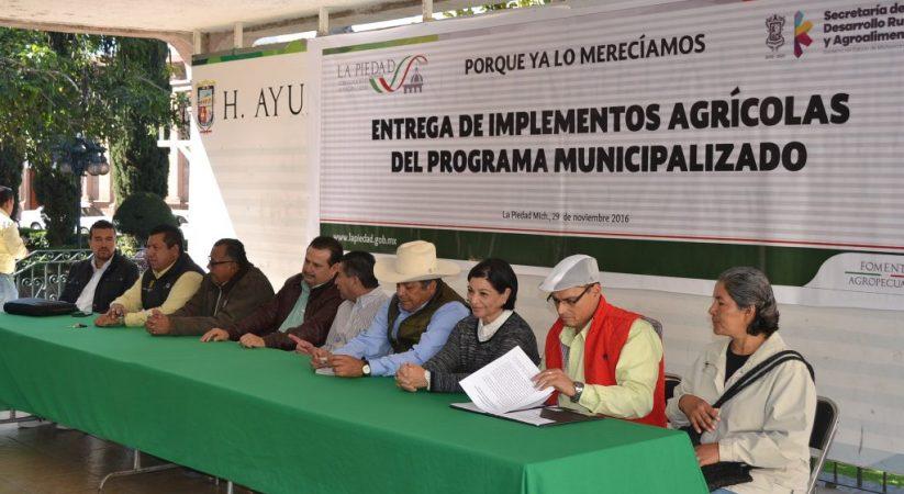 """""""HOY PODEMOS DECIR CON ORGULLO QUE HEMOS ESTADO COMPROMETIDOS CON EL CAMPO"""": ALCALDE"""
