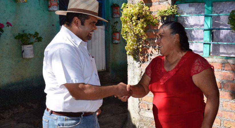 PRESIDENTE MUNICIPAL CONTINÚA SATISFACIENDO LAS NECESIDADES DE LA GENTE