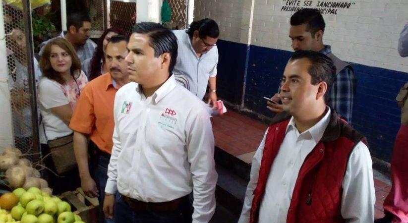 EN GIRA POR LA PIEDAD SERGIO FLORES LUNA, CANDIDATO A LA DIPUTACION FEDERAL POR EL DISTRITO 05