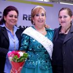 CORONAN A REINA DEL ADULTO MAYOR
