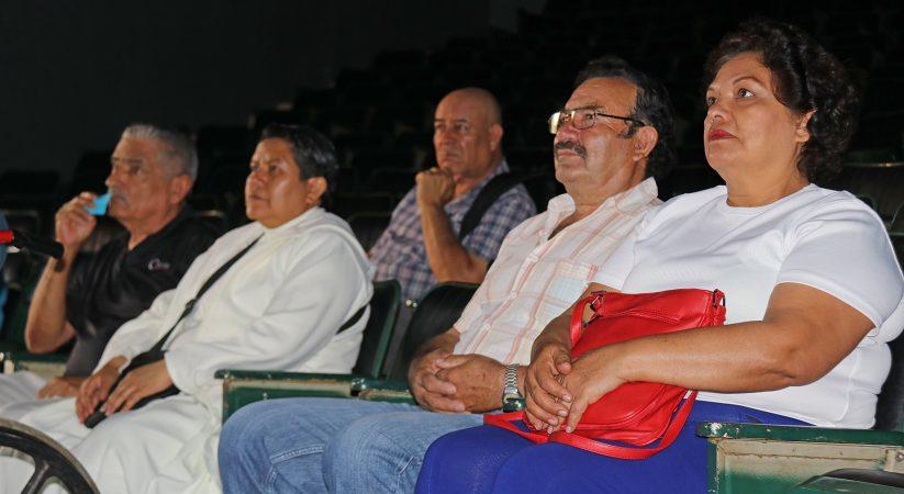 DIF OFRECE PLÁTICA A LOS ADULTOS MAYORES SOBRE SALUD AUDITIVA
