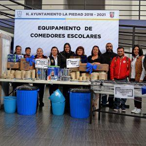 CON EL REQUIPAMIENTO DEL PROGRAMA DESAYUNOS ESCOLARES SE BENEFICIAN 300 NIÑOS